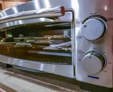 5-Minute Pizza Oven – unsurpassed cooking speed from BLACK+DECKER